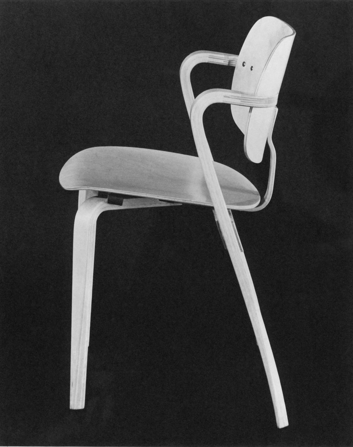 Aslak_Chair_Ilmari_Tapiovaara_1958_photo_Kuvakiila_Designmuseum-3954878