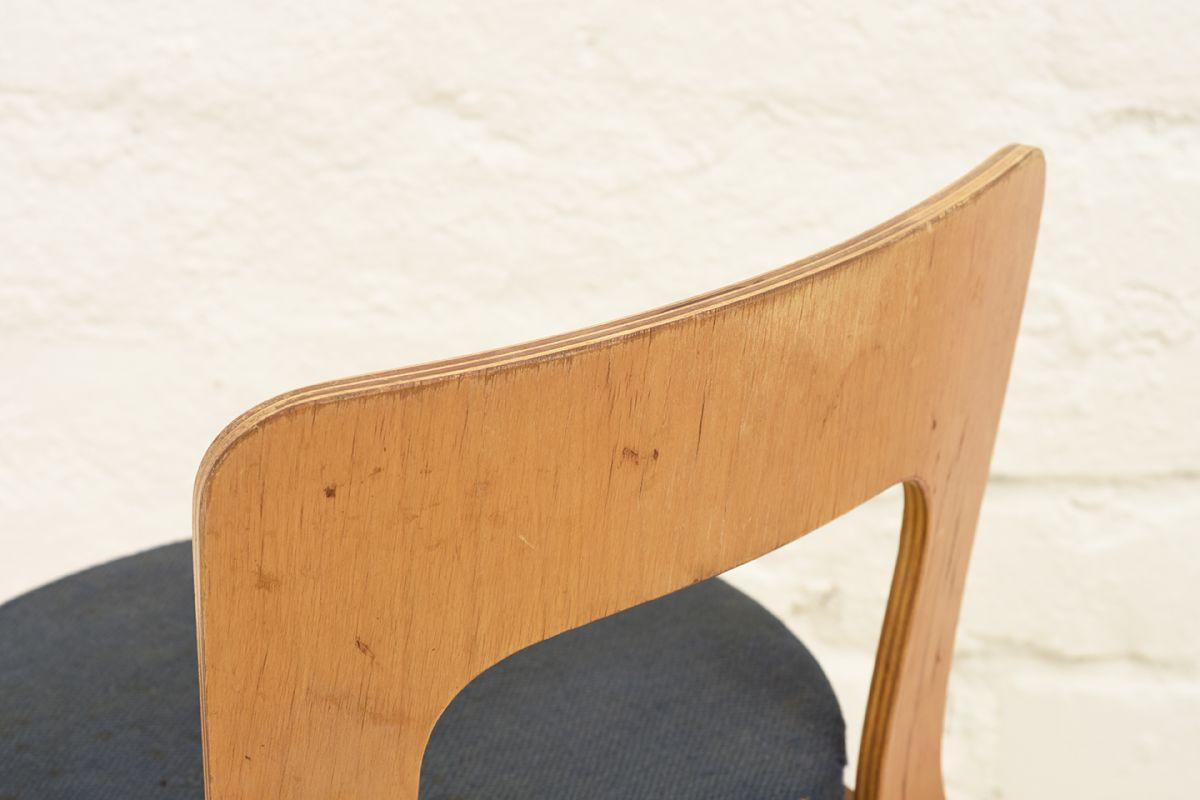 Aalto-Alvar-Chair65-Original-Dark-Blue_detail2