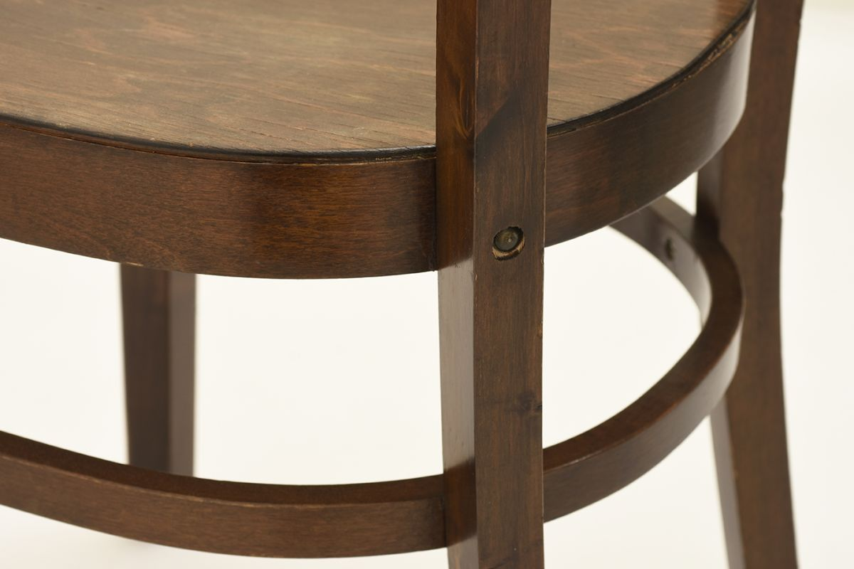West-Werner-Hugging-Chair-Brown-dettail6