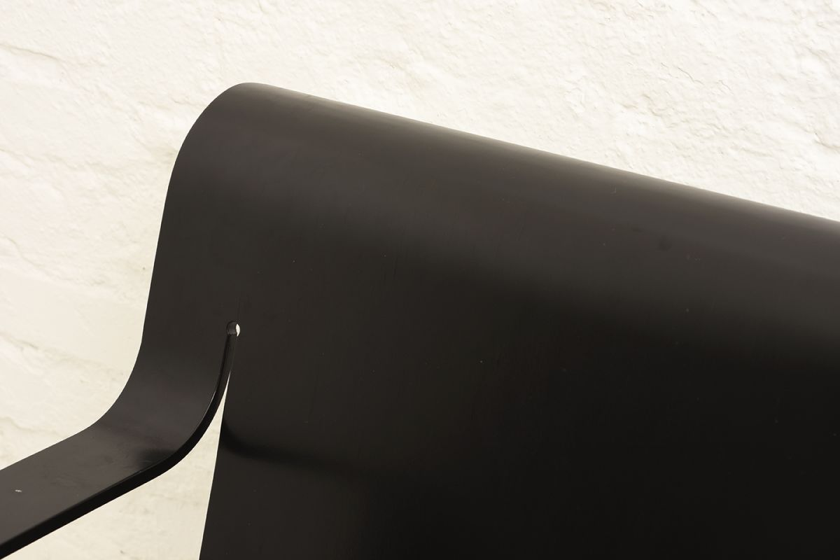 Aalto-Alvar-Armchair-26-Black_detail1