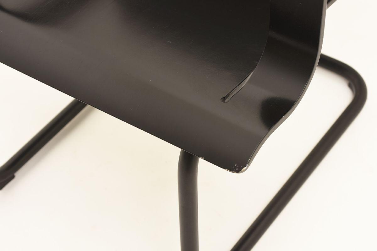 Aalto-Alvar-Armchair-26-Black_detail4