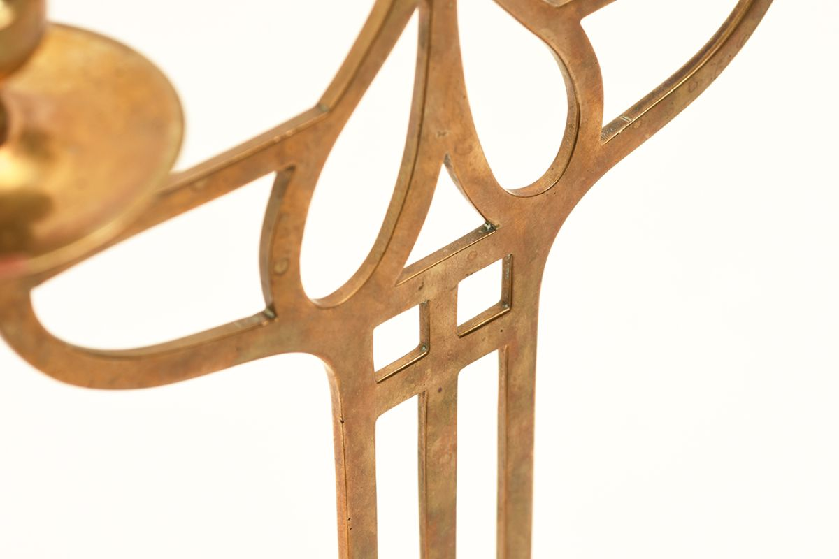 Anonymous-Brass-Candle-Stand_detail2