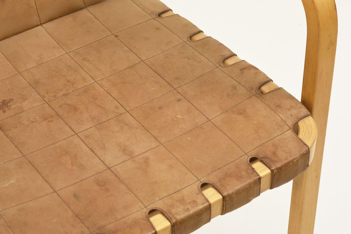Aalto-Alvar-Chair-45-Cognac_detail7