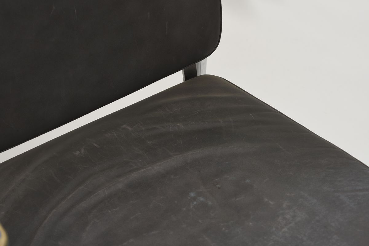 Kukkapuro-Yrjö-Armchair-Blue-Leather_detail5