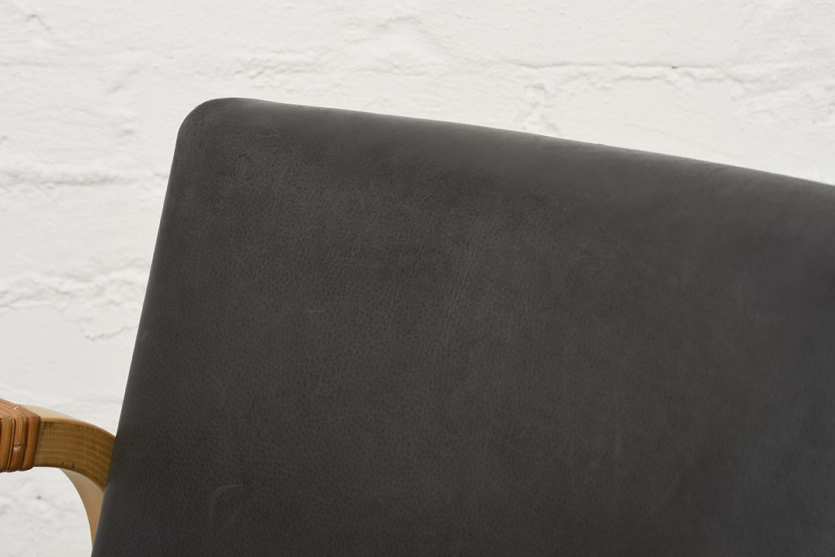 Aalto-Alvar-Armchar46-Gray-Leather_detail1