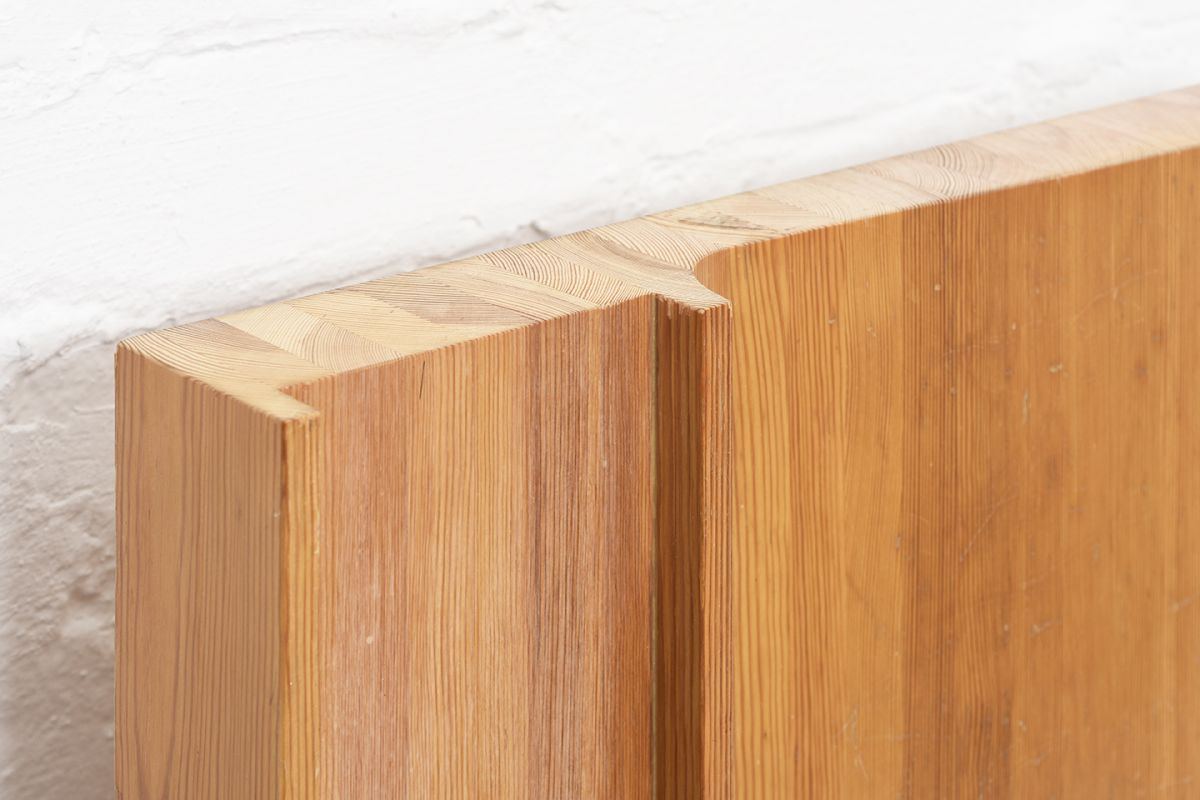Tapiovaara-Ilmari-Wooden-Church-Relief_detail1