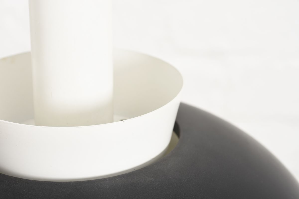 Aalto-Alvar-A335B-Pendant-Light-Black-White_detail2