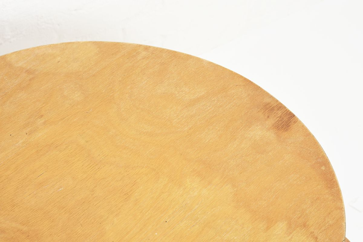 Aalto-Alvar-Club-Table-Birch_d72.5_detail1