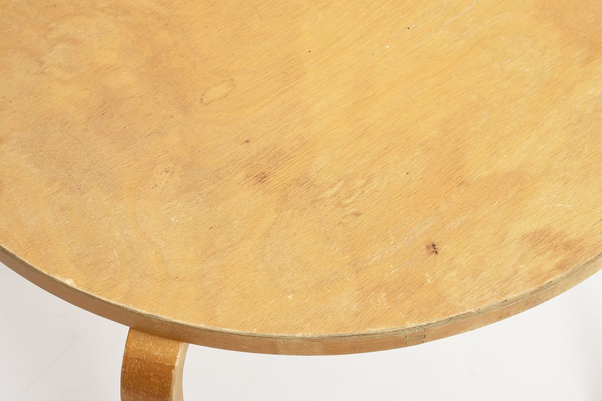 Aalto-Alvar-Club-Table-Birch_d72.5_detail3