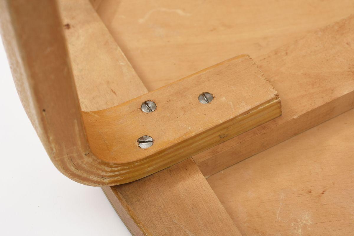 Aalto-Alvar-Club-Table-Birch_d72.5_detail8