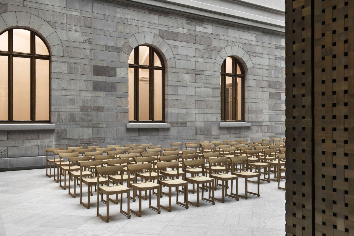 Artek_Atelier-Chair_Auditorium_2_HR_Photo_Erik_Lefvander-4850219