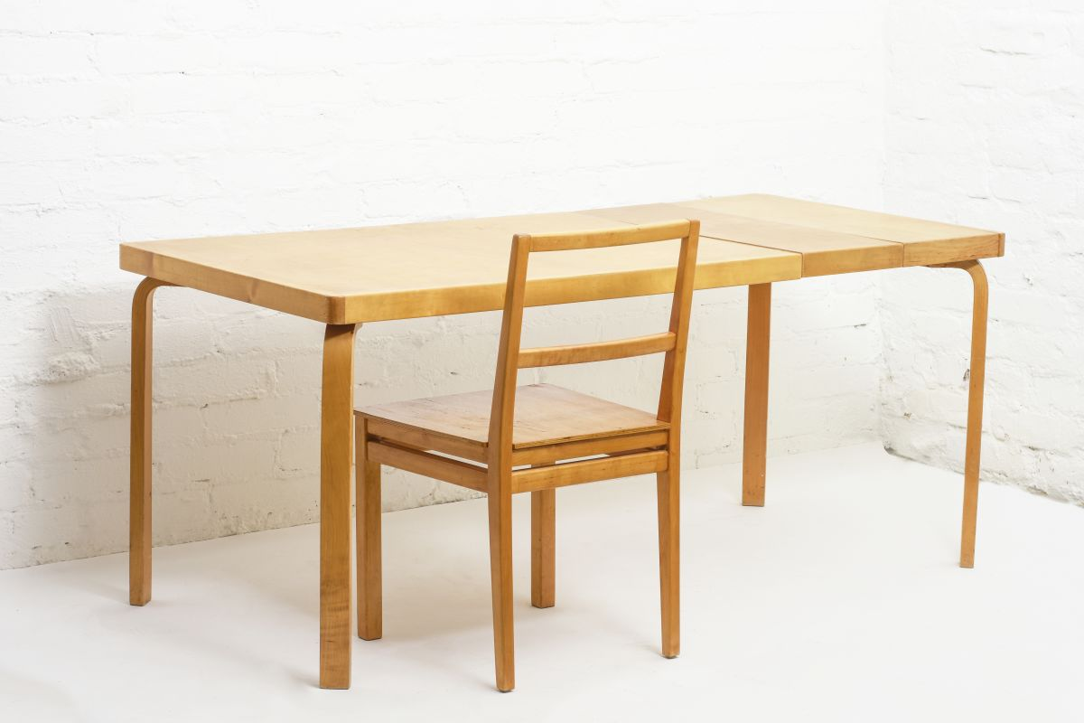 Aalto-Aino-Extendable-Table_with-chair