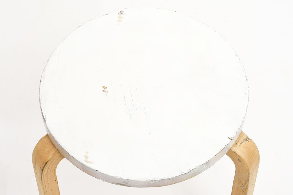 Aalto-Alvar-Painted-Stool60-White-Birch_detail1