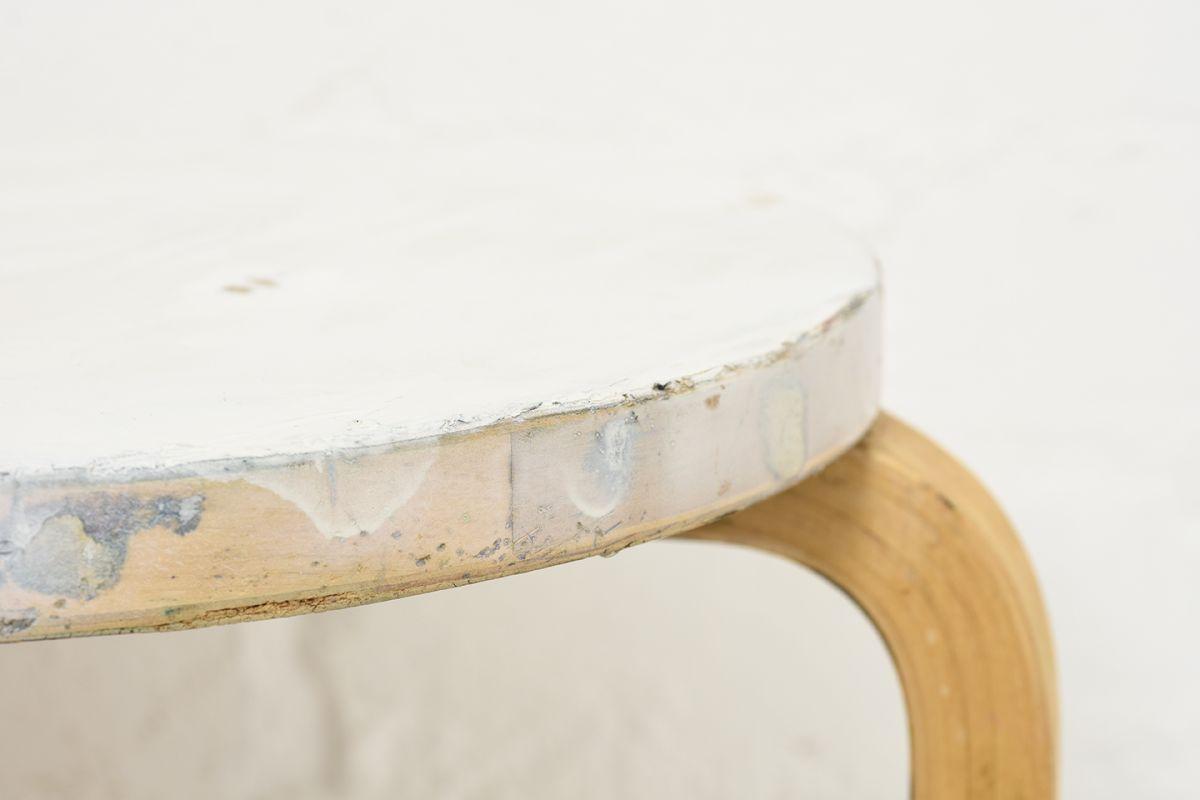 Aalto-Alvar-Painted-Stool60-White-Birch_detail6