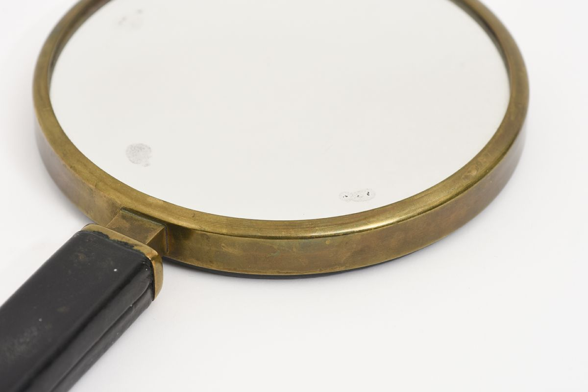 Heikinheimo-Maija-Hand-Mirror-Leather-Brass_detail2