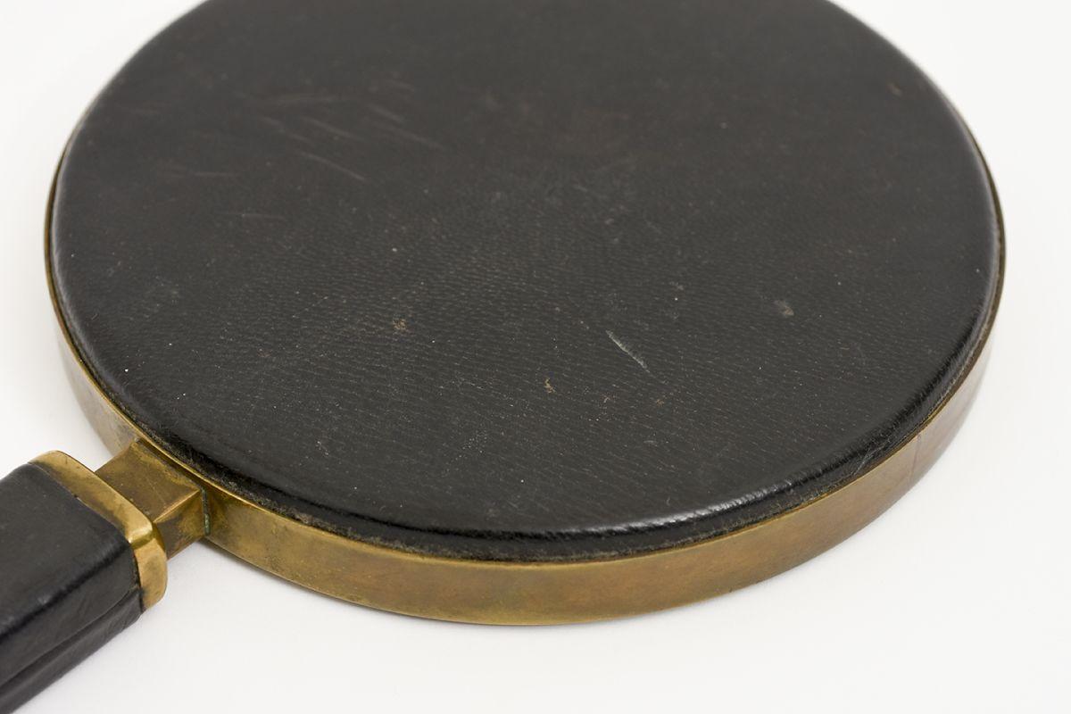 Heikinheimo-Maija-Hand-Mirror-Leather-Brass_detail5