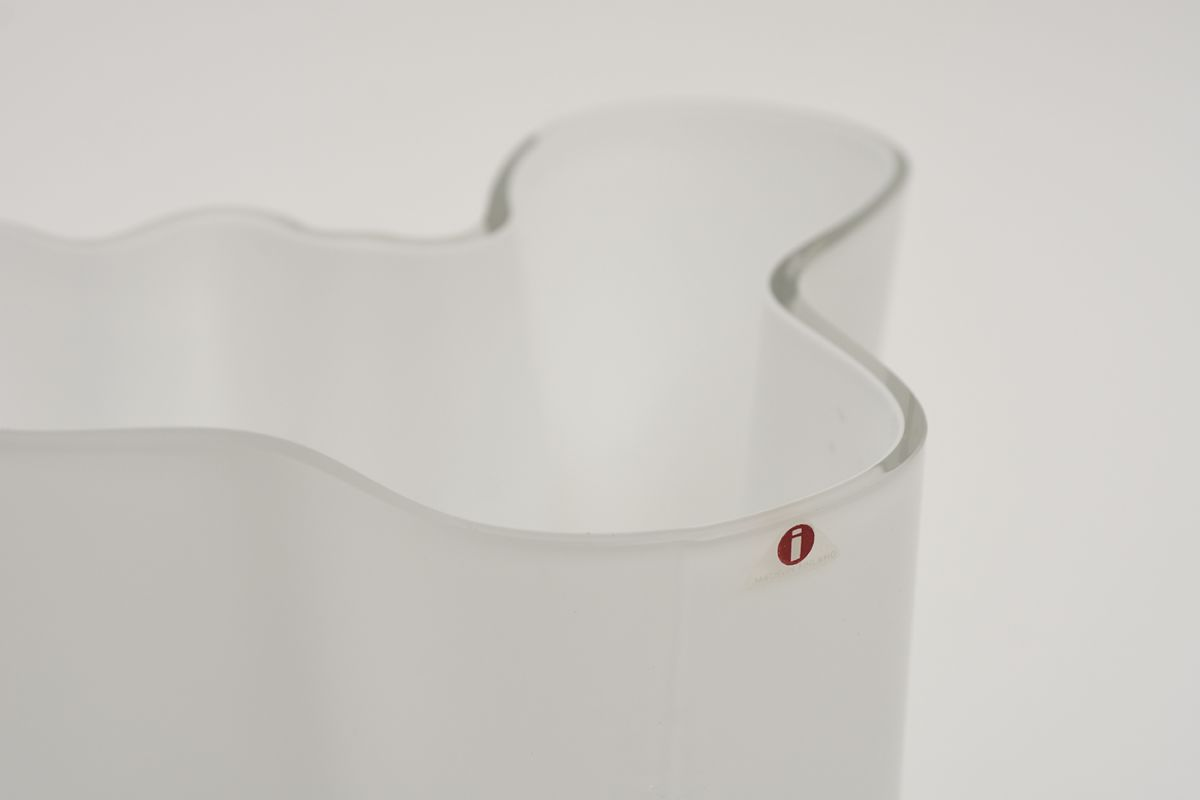 Aalto-Alvar-Savoy-Vase-Clear-White-16cm_detail5