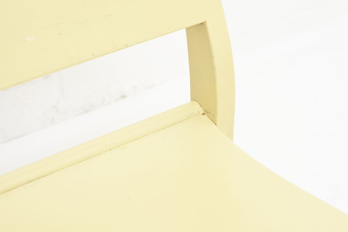 Aalto-Alvar-Chair-611-Painted_detail5