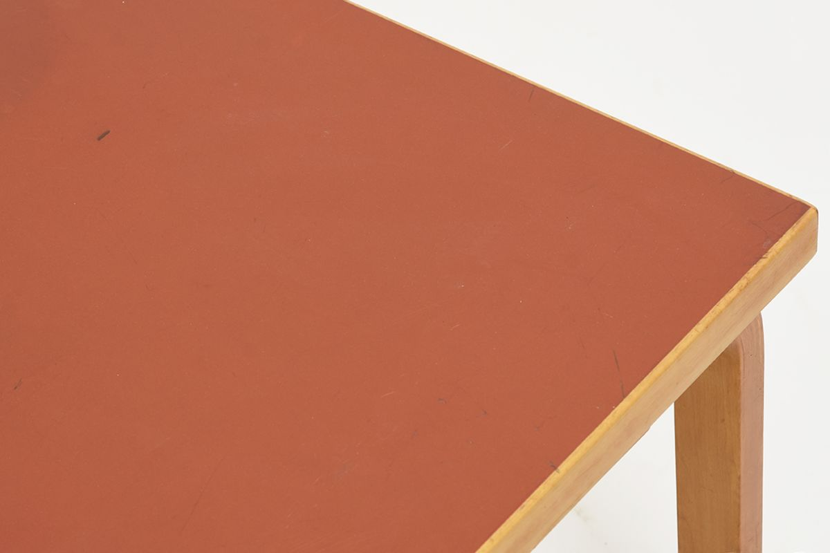 Aalto-Alvar-Coffee-Table-Red-Linoleum_detail3