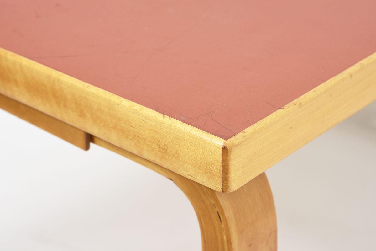 Aalto-Alvar-Coffee-Table-Red-Linoleum_detail5