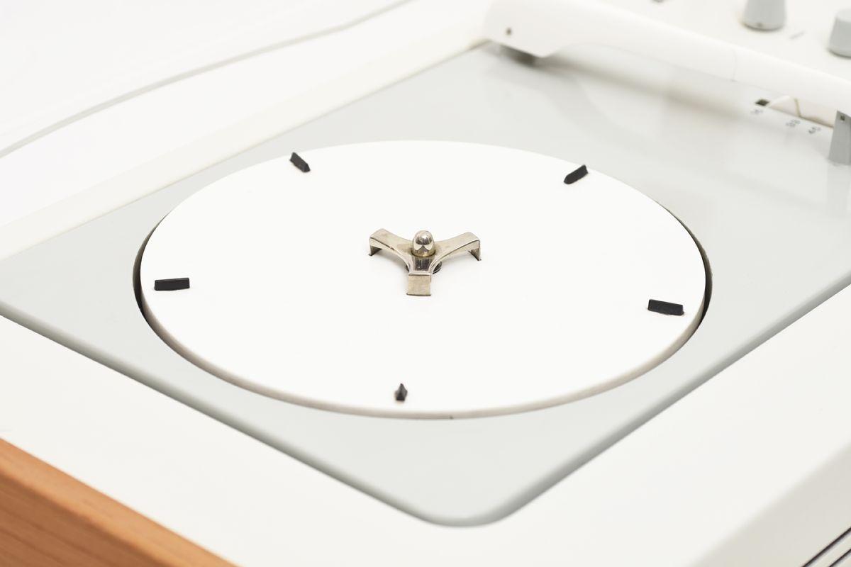 Rams-Dieter-Gugelot-Hans-Braun-Radio-Record-Player_detail4