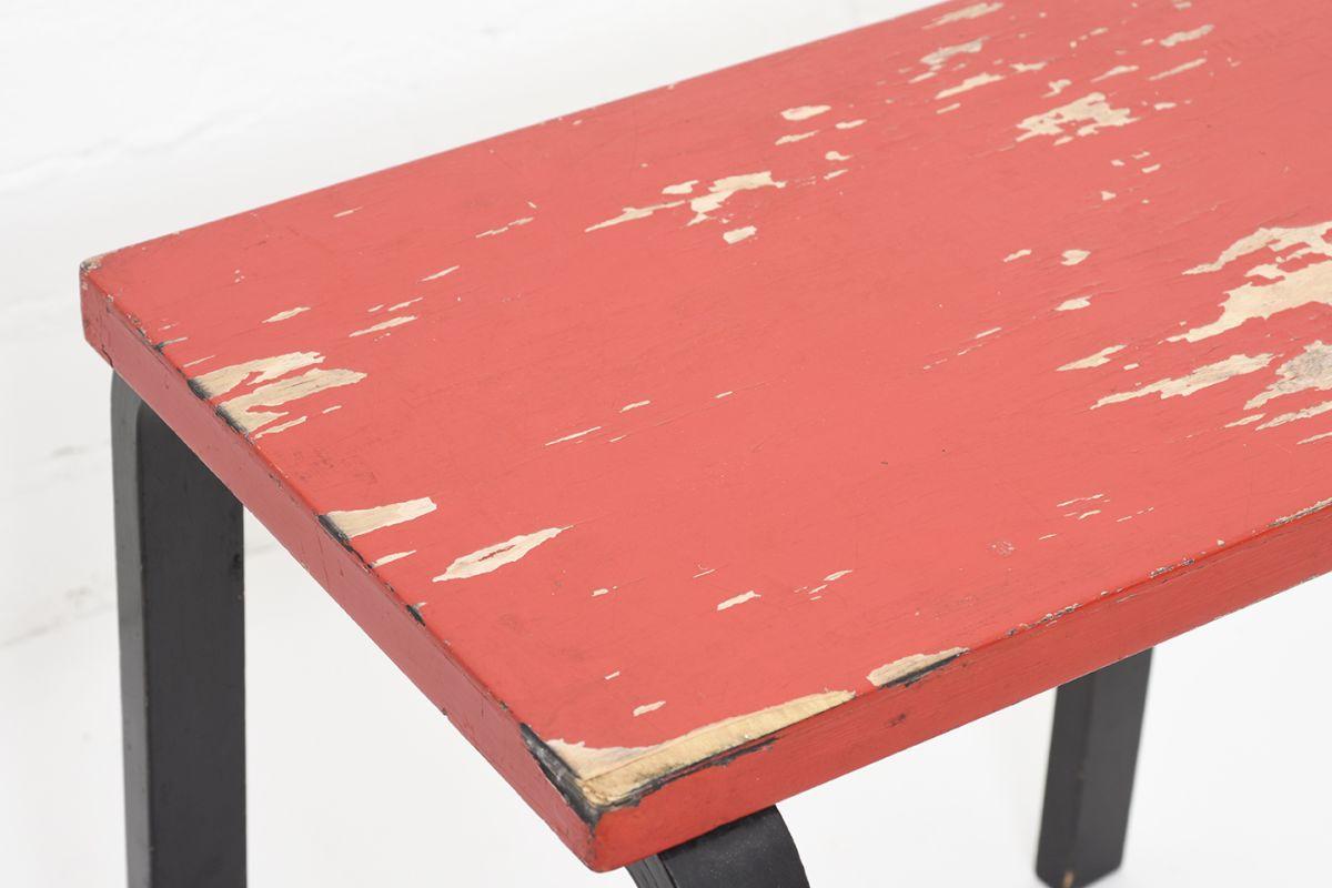 Aalto-Alvar-Painted-Side-Table-Red-Brack_detail2