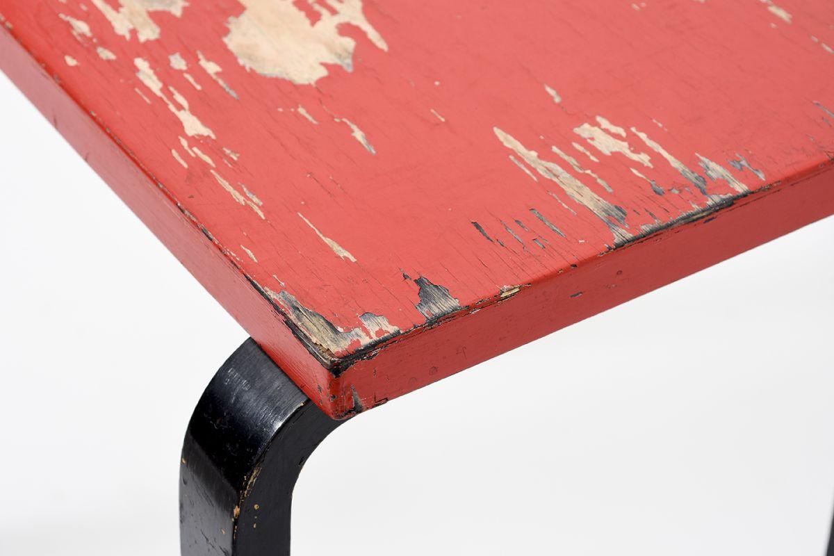 Aalto-Alvar-Painted-Side-Table-Red-Brack_detail3