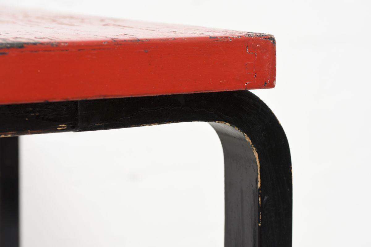 Aalto-Alvar-Painted-Side-Table-Red-Brack_detail5