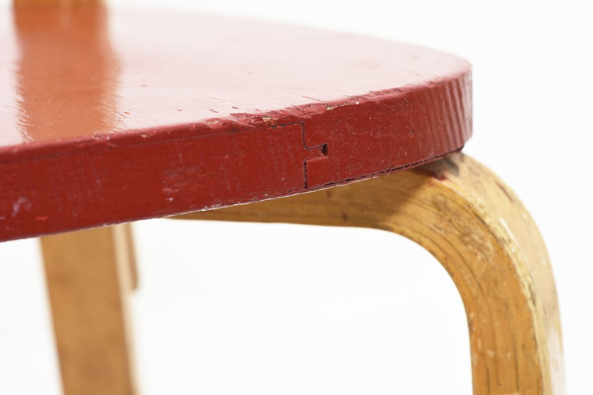 Aalto-Alvar-Chair-69-Painted-Red-Seat_detail7