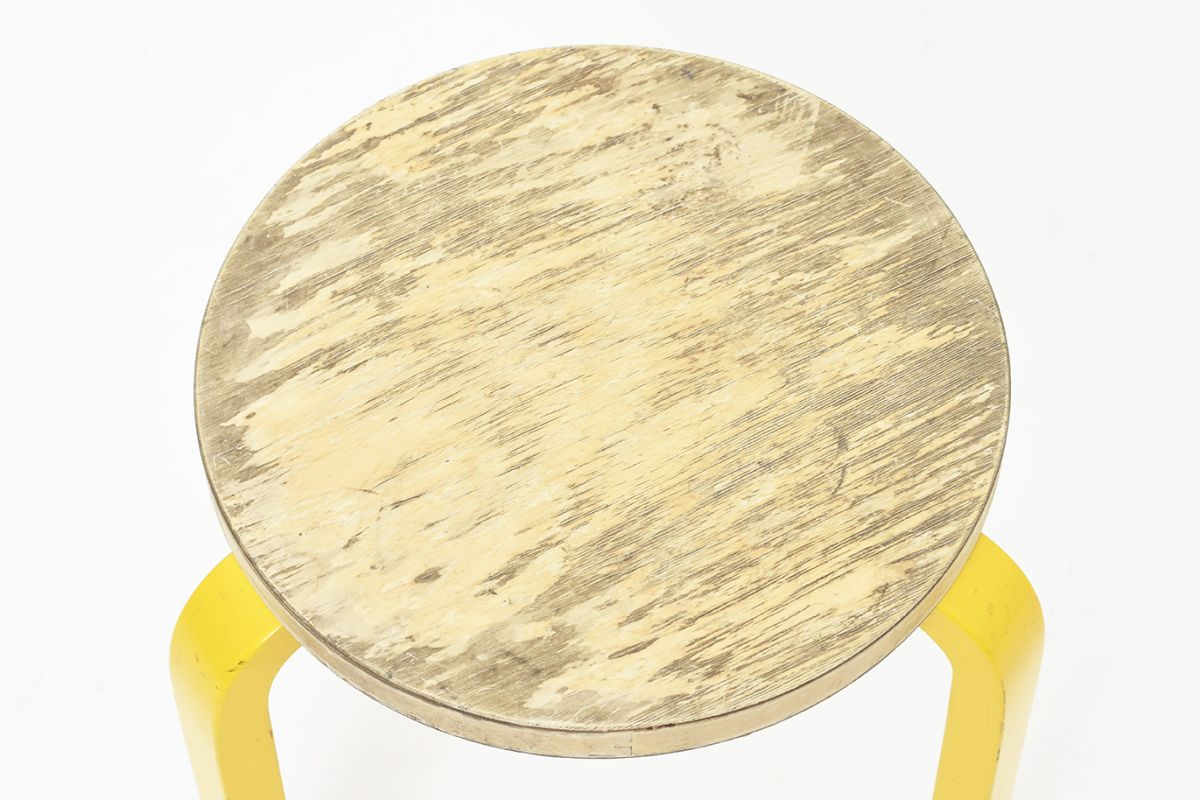 Aalto-Alvar-Stool60-Painted-Leg-Yellow_detail1