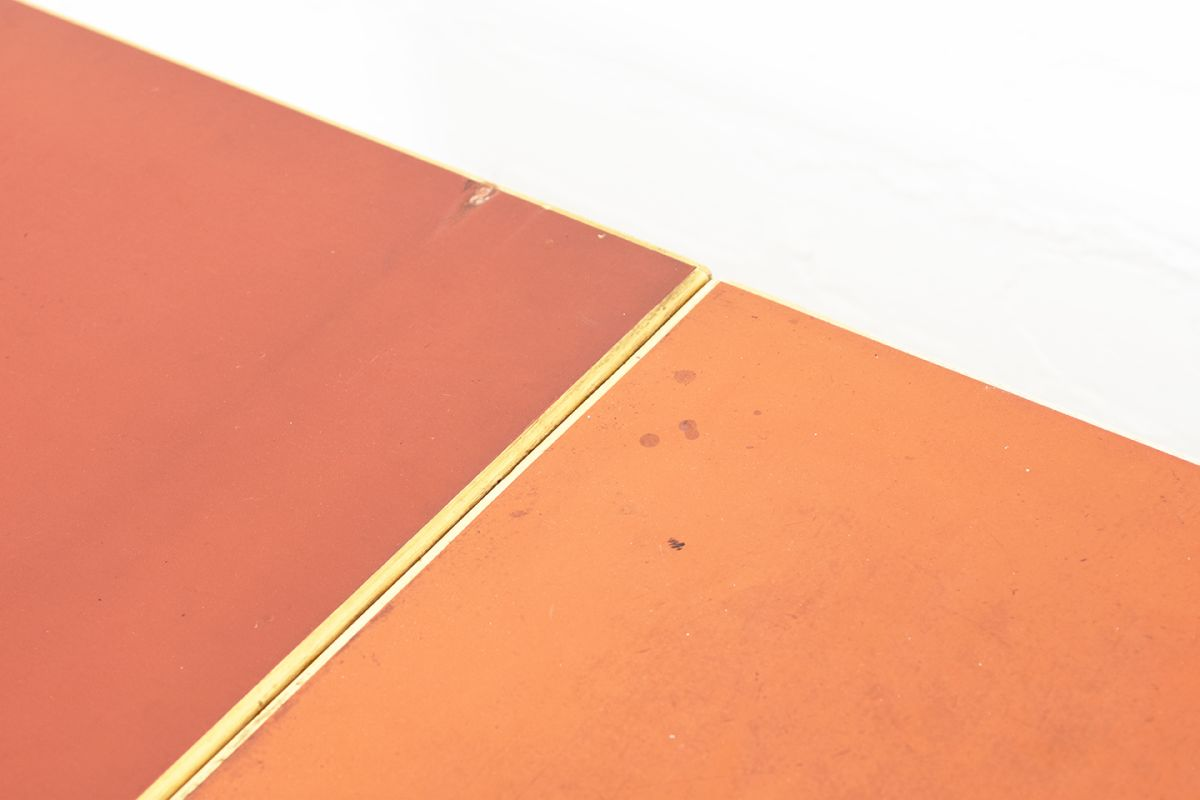 Aalto-Alvar-Drop-Leaf-Table-Red-Linoleum_detail4