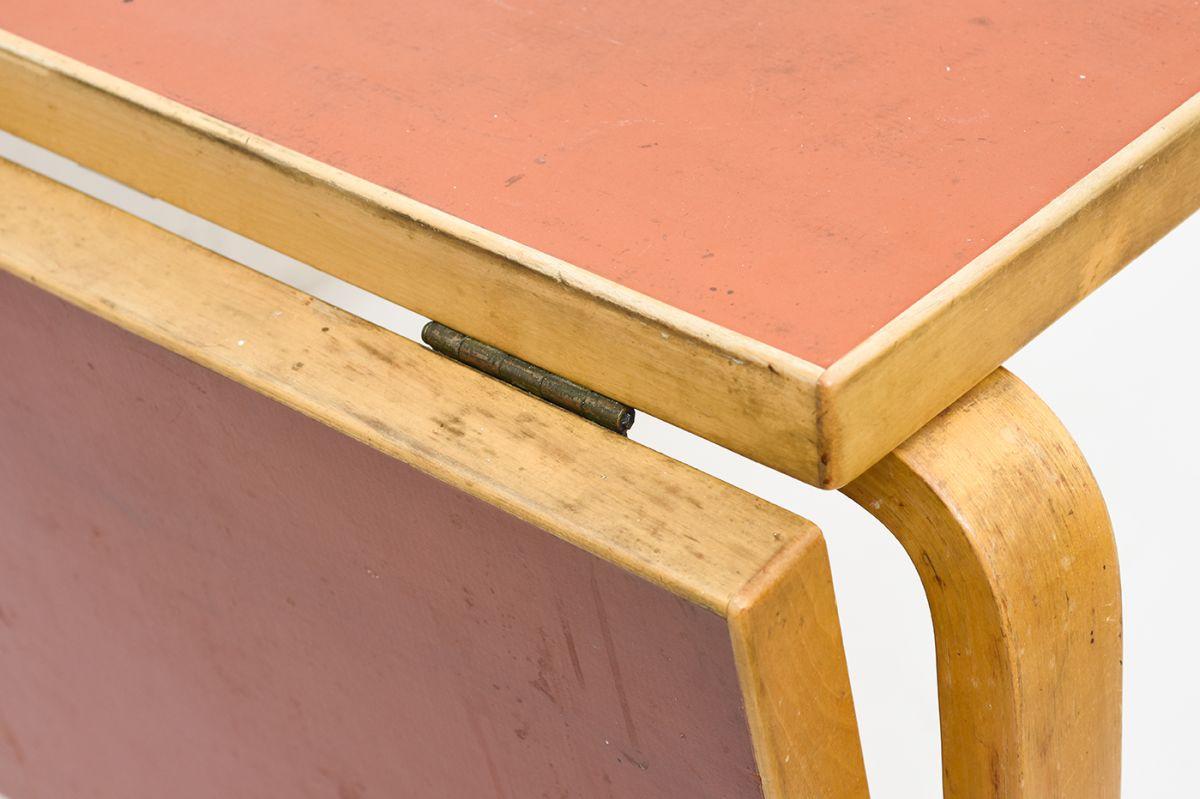 Aalto-Alvar-Drop-Leaf-Table-Red-Linoleum_detail8