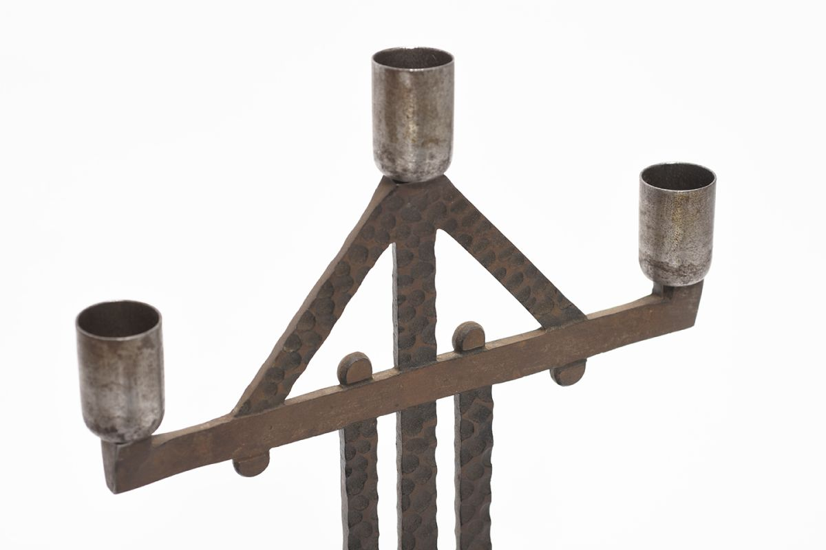 Anonymous-Iron-Candle-Holder_detail1