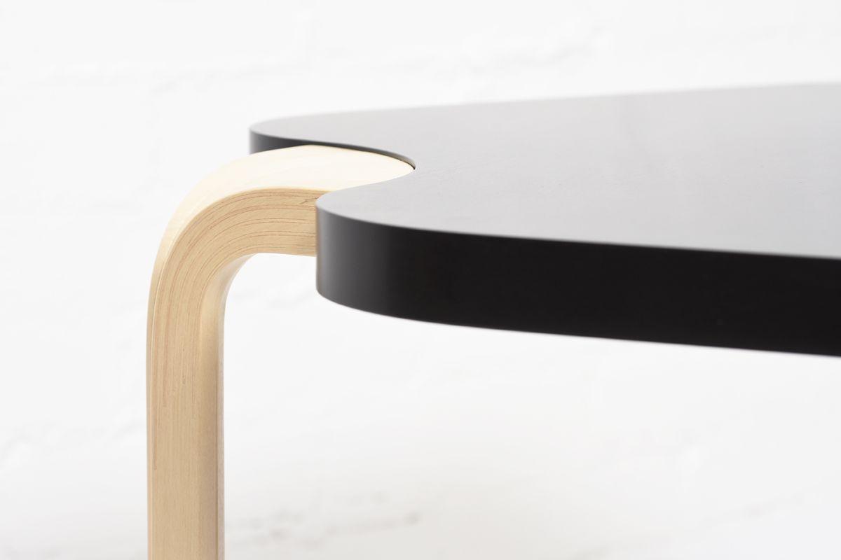 Aalto-Alvar-Maison-Carree-Side-Table_detail2