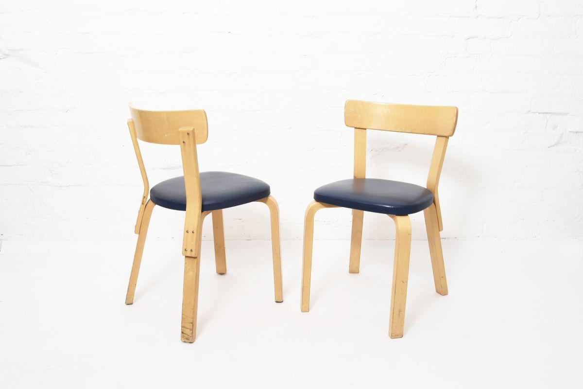 Aalto-Alvar-Chair69-Navy-Vinyl