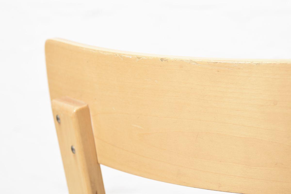 Aalto-Alvar-Chair69-Navy-Vinyl_detail4