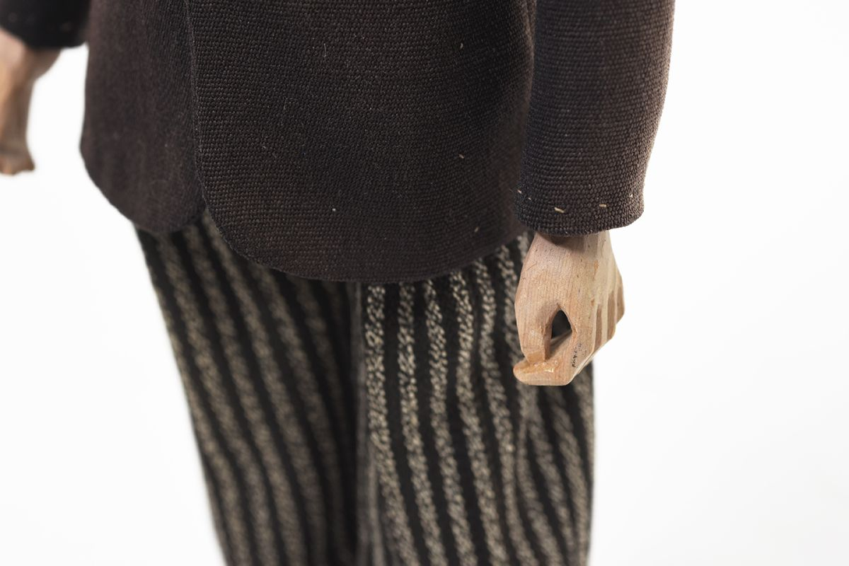 Wooden-Doll-1947_detail5