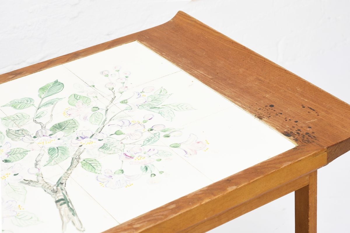 Anoynmous-Tea-Trolley-with-Flower-Paint_detail1