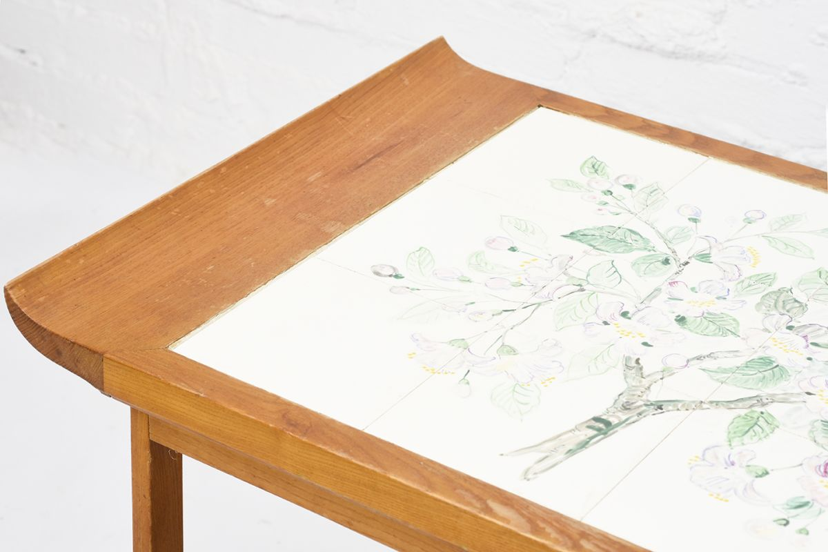 Anoynmous-Tea-Trolley-with-Flower-Paint_detail2