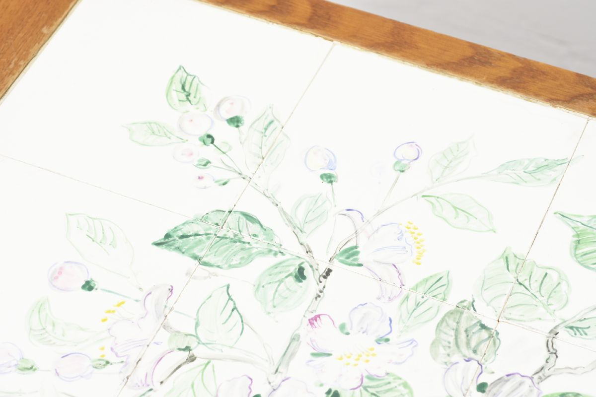 Anoynmous-Tea-Trolley-with-Flower-Paint_detail4