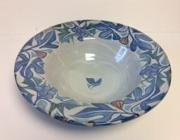<em>Andrew Hazelden: Flanged bowl with vine and fig in blue</em>, 2015