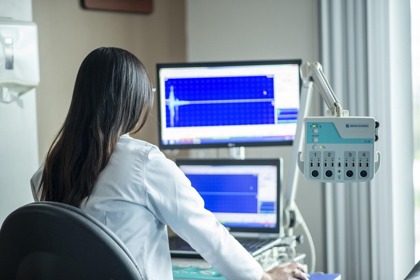 Article sur L'installation en libéral, titre Le matériel médical pour l'installation en libéral : tout savoir