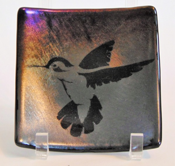 Plate with Hummingbird on Silver/Gold Irid