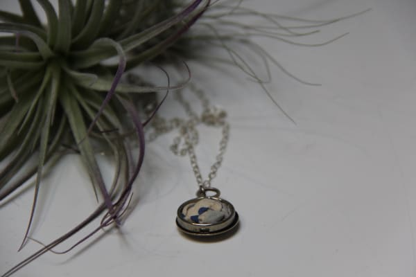 Quilted button cover necklace