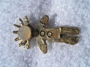 Woman (pin)