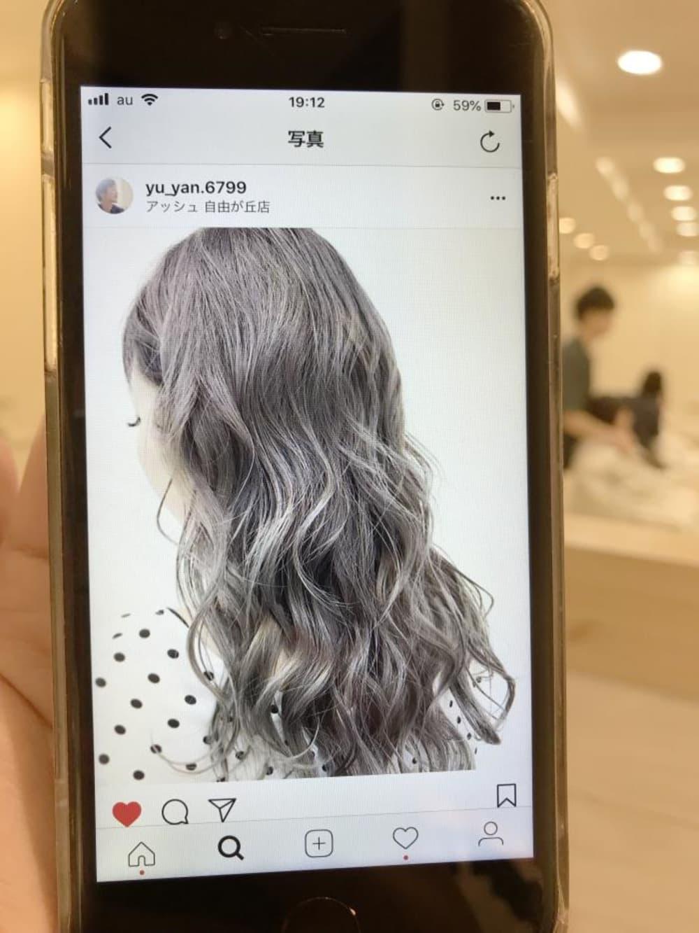 なりたい髪色の画像を用意しておくのも◎