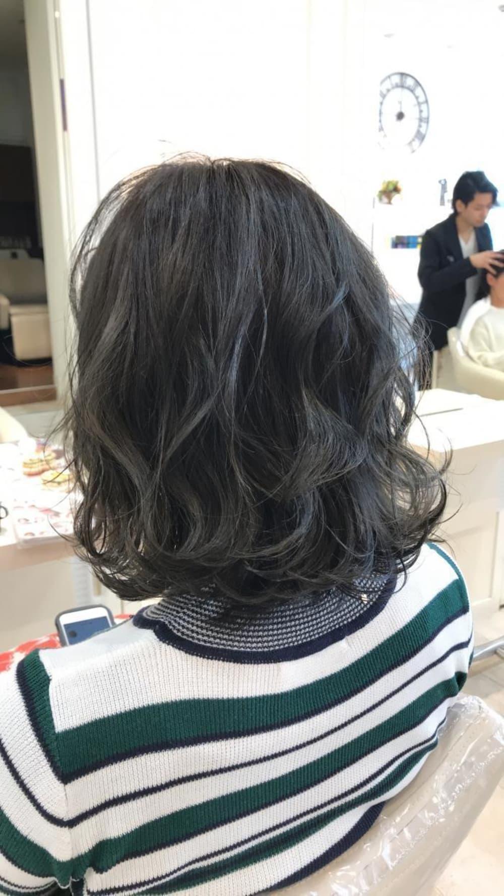 王道のヘアカラーはやっぱりブラック