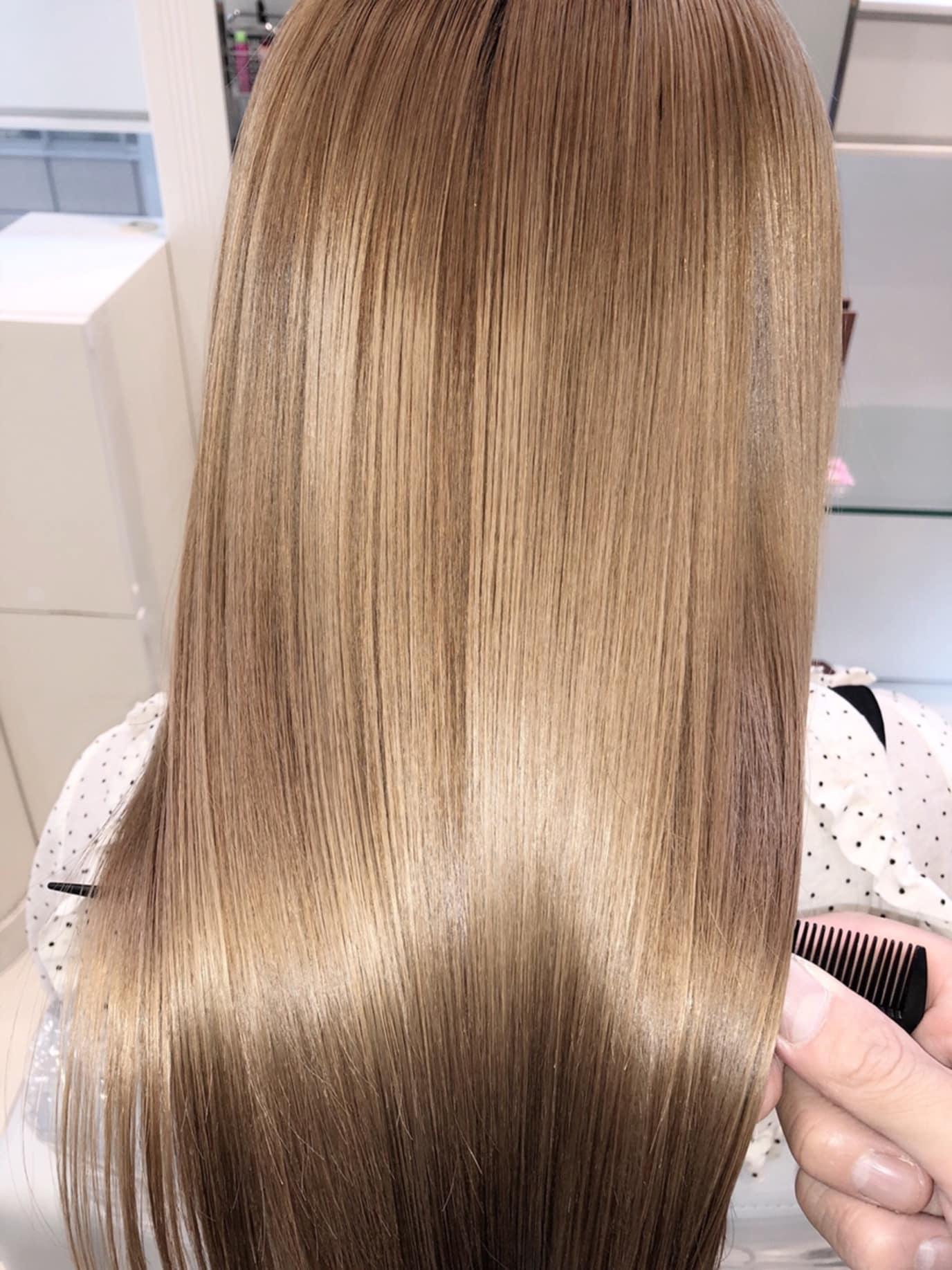 【最高峰の輝き】ブリーチ毛でも縮毛矯正できる。髪質改善縮毛矯正。
