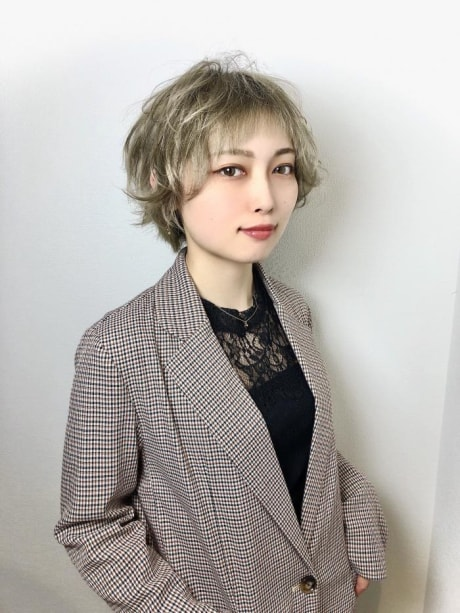 岡田 彩華