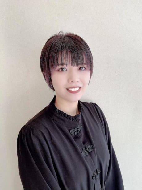 山田 百華